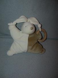 K-290  Happy Horse sterpopje konijn Raphael met houten ring 1999