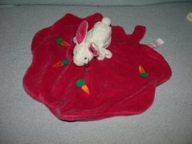 K-617  Egmont Toys kroeldoekje lelieblad met konijntje
