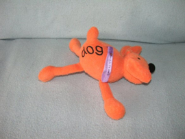 H-863  Bang on the Door hond Dog - 17 cm
