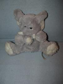 KP-1796  Primark/Play & Learn handpop olifant met geluid