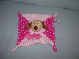H-1020  Simba Toys kroeldoekje hond ABC