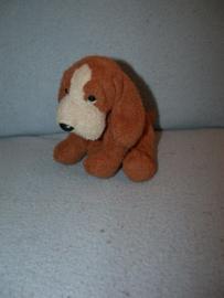 H-131  Russ Berrie bloedhond/hondje Bailey - 14 cm