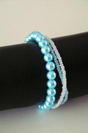 lichtblauwe glasparels met rocailles