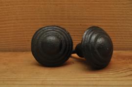 zware gietijzeren knop zwart