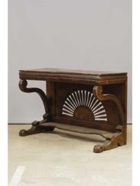 Decoratieve houten sidetable, Engeland, 19e eeuw.