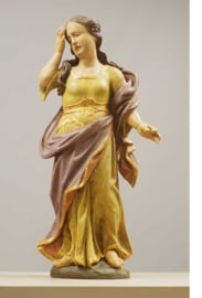Religieuze kunst uit de 18e eeuw,  een houten Heiligbeeld, Maria.