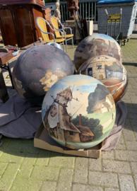 Naar Jeroen Bosch, afkomstig van de  tentoonstelling Jeroen Bosch in  's-Hertogenbosch.