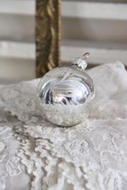Kerstbal zilver met bloem