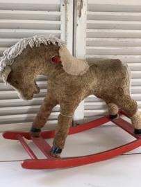 Shabby schommelpaardje
