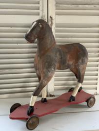 Shabby paardje op wielen