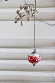 Kerstbal zilver/rood slinger