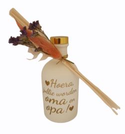 Set huisparfum wit met stokjes  *Hoera, jullie worden oma en opa!*
