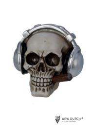600522  schedel met hoofdtelefoon