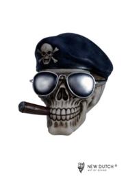 600524 schedel met zonnebril en sigaar