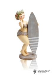 """600971 """"Dikke""""dame met surfplank"""