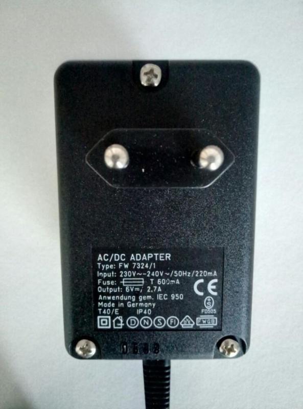 6 volt AC/DC adapter 2.7A