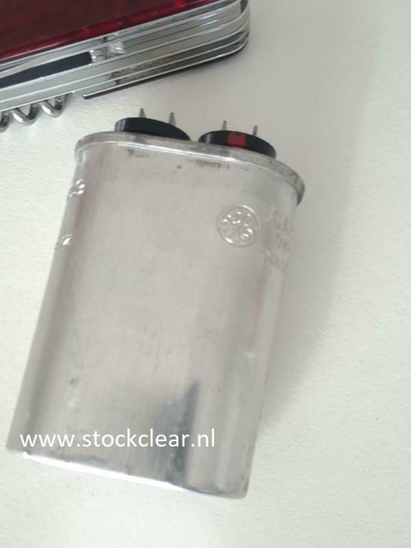 GE 5uf  370vac  vintage condensator