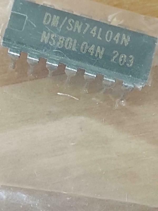 SN74L04N Hex inverter NOS sealed part