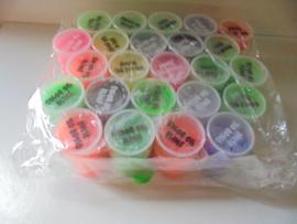 color oil slime mix kleur 8x5,5 cm 24 stuks prijs per pak a 24 stuks