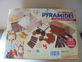 Pyramides afm doos 28x23x20 cm prijs per stuk