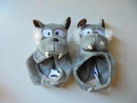 pluche muts wolf voor pop of beren  15 cm prijs per stuk