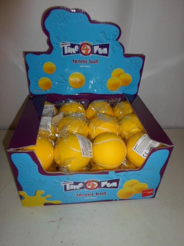 Soft Foom tennis bal  ( knijp bal )  prijs per stuk