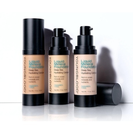 Youngblood Liquid Mineral Foundation + GRATIS Youngblood Mineral Primer 5 ml t.w.v. € 12