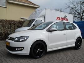 VW Polo met 17`` Boavista Zwart Glanzend met 215 40 17 falken