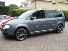 VW touran met 18`` Harry Hausen 225 40 18 Vredestein Vorti
