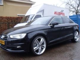 A3 limousine met 19`` Audi S5 Velgen