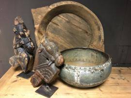 mooie landelijke vaas pot van ijzer uit india
