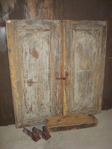 set oude beschilderde deuren