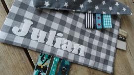 """Labeldoekje """"Julian"""""""