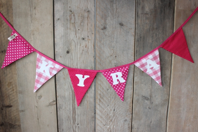 "Vlaggenlijn ""Kyra"" (roze/fuchsia)"