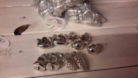 M231 zakje kleine zilveren kerstballen-