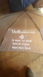 Paraplu Voetbal...... in weer en wind ga ik kijken bij mijn kind