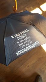 Paraplu Voetbalmoeder ....... hondenweer