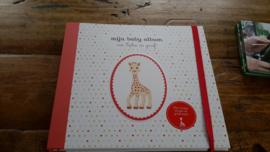 B30 Mijn baby album met Sophie de giraf