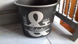 Emmer Mr & Mrs .......