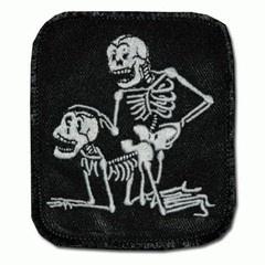 Embleem stof twee skeletten