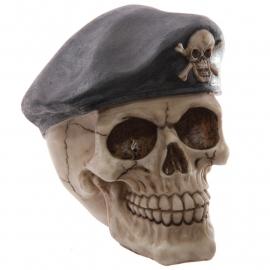 Schedel met baret
