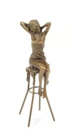 Bronzen Beeld Dame Op Barkruk BJ-9