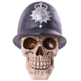 Schedel met politiehelm