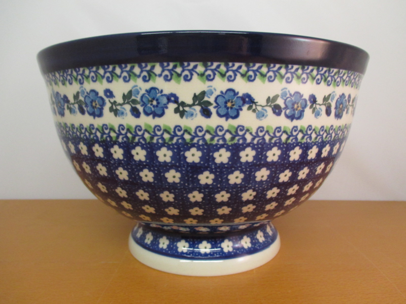 Bowl on foot 215-1250
