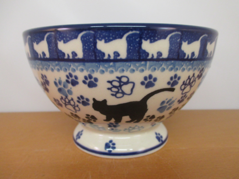 Bowl on foot 206-1771^