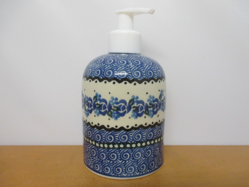 Soap dispenser 882