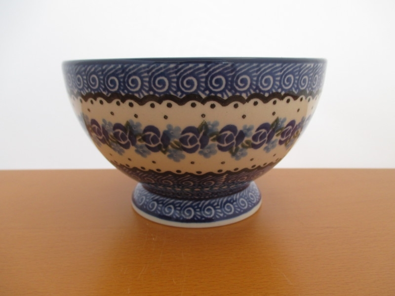 Bowl on foot 206-882