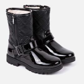 Mayoral, zwarte laklaarzen