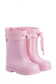 Igor, roze regenlaarsjes