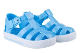 Igor, licht blauw waterschoentjes
